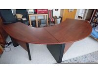 Executive desk curved