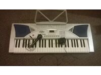 Home electronic keyboard (record and playback) adult or childrens bargain