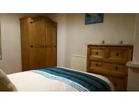 Large, Bright Studio Apartment £130pw ALL BILLS INCLUDED