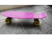 CRUISER SKATEBOARD OXELO Purple and green