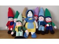 """Hand-Knitted """"Snow White and the Seven Dwarfs"""""""