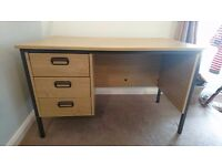 3 drawer desk, very sturdy excellent condition