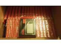 JOB LOT - 32 x Solar Power Bank 8000mAh - Brand NEW & Original Packaging - Phone charger - LEDs