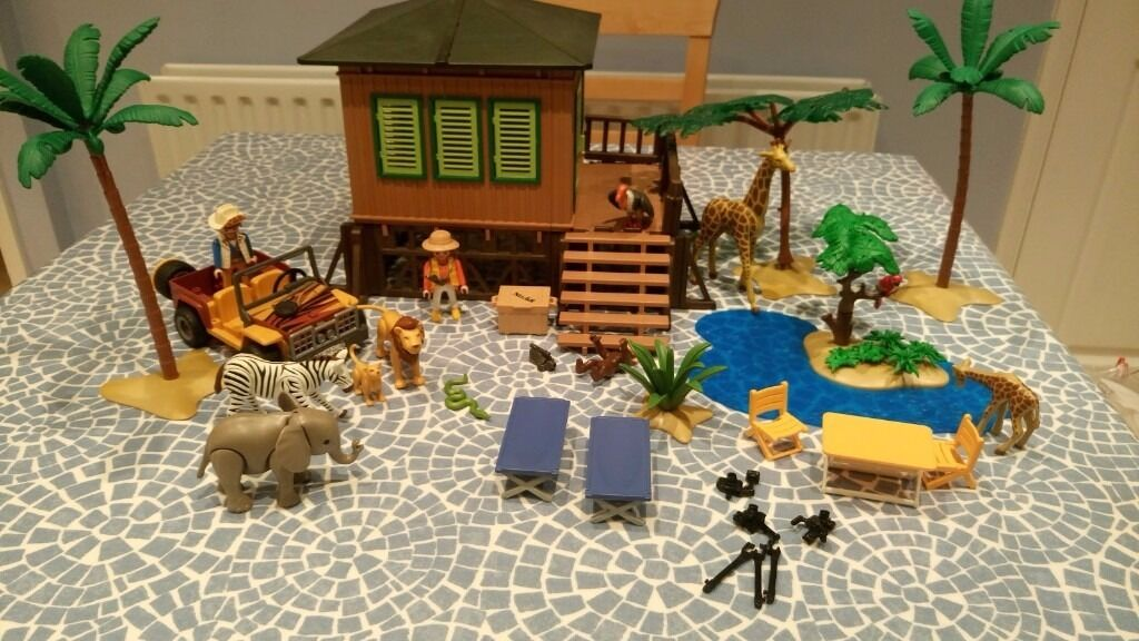 playmobil 39 on safari 39 set safari lodge jeep animals. Black Bedroom Furniture Sets. Home Design Ideas