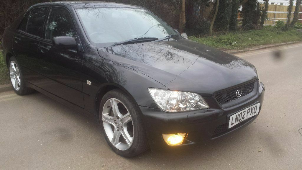 lexus is300 sports auto (very rare) 1 lady owner from
