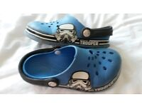 Size 12 Star Wars crocs