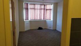 Newly refurbished studio flat nuneaton town centre