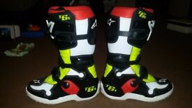 MOTOCROSS BOOTS SIZE 3
