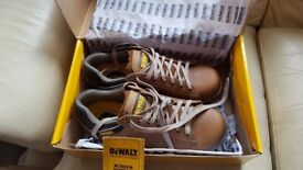 DEWALT PROTECTIVE FOOTWARE.