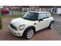 Mini Cooper pepper white. New clutch new brakes. New thermostat housing.Timin