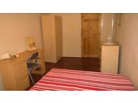 GREAT DOUBLE ROOM AVAIL. NOW IN CAMDEN 3 MIN TO THE STATION - VERY CHEAP FOR COUPLES -BILLS INCLUDED