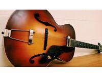Gretsch New Yorker Archtop Guitar with Pickup Semi-gloss Vintage Sunburst.