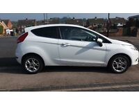 White Ford Fiesta 1.25 Zetec 3Dr. Very Low Mileage. 2012 (62).