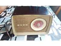 Vintage Bush DAC-70 Radio (1950's Antique - Working)