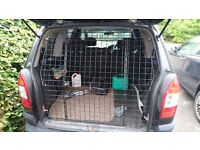 Tailormade Dog Tailgate Guard for Vauxhall Zafira (B) 2005-2014
