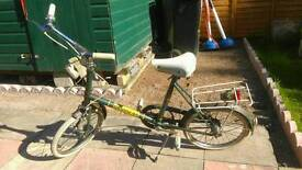 Ladies vintage shopper bike