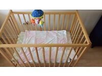Mini Cot for new born or infants in Excellent condition