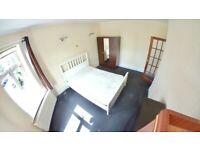 Large Spacious 2 Bed Flat No Garden Parking On Street - Flat Above Shop - Butler Road, Harrow HA1