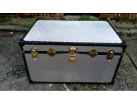 GORGEOUS SILVER ALUMINIUM LARGE CHEST TRUNK GOOD CONDITION FREE LOCAL DELIVERY