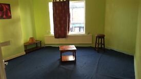 2 BEDROOM FLAT IN MANSFIELD NG18 AREA