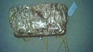 JESSICA SIMPSON GOLD EVENING PURSE BRAND NEW