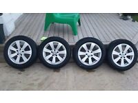 Mercedes benz 16 inch alloy alloys wheels immaculate with excellent tyres.