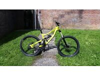 2015 Specialized Status I FSR Free Ride Downhill Mountain Bike Size S Immaculate Condition BARGAIN