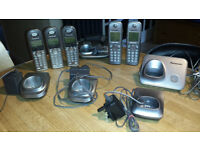 Panasonic 5-handset home phone with answering machine. KX-TG732