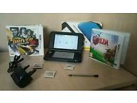 Nintendo 3DS XL bundle + 4 games + box + charger