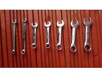 Dumpy spanners selection