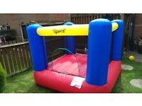 Baby bouncy castle in good condition just no blower can deliver and show its inflates all right!