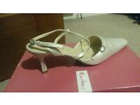 Excellent condition ivory satin bridal shoes