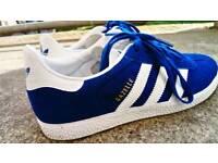Adidas trainers gazelles size 5