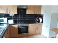 Lovely 4 bedroom maisonette flat located in Mile End near Queen Mary University