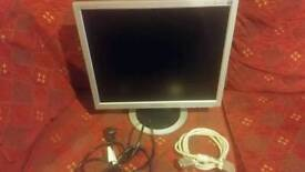 29 inch good size tft monitor vga connection only
