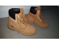 Womens Timberland boots size 5 wheat colour 100% leather and unused