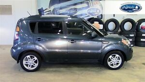 2011 Kia Soul 2.0L 2u (Heated Seats  Fold Down 2nd Row)
