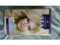 Brand new Schwarzkopf light ash blonde