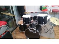 drum kit - drums cymbals stands bag