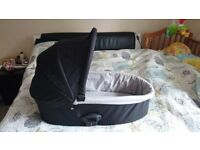 Babystyle oyster carry cot