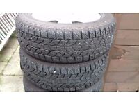 Tyres on Rims for Nissan