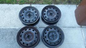 4 wheels 15in Rimes