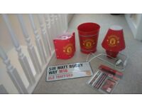Manchester United lampshade, bin, pencil set, lamp