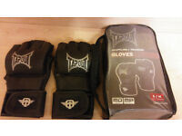 TapOut Grappling/Training Gloves Small/Medium