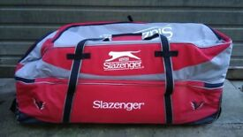 Hi for sale Slazemger v larg Cryckiet bag in very good condition can deliver or post! Thank you