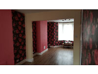 3 LARGE DOUBLE BEDROOM HOUSE -TOTALLY REFURBISHED AND DECOREATED