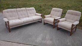 Vintage cintique three piece suite/sofa retro
