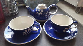 Whittard of Chelsea teapot and teacups set