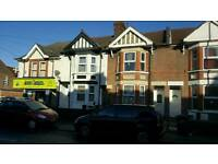 2 double rooms in sallow Road for single occupancy Inc all bills £450 pm