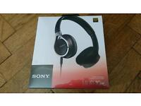 Sony Stereo Headphones Brand New MDR-10RC